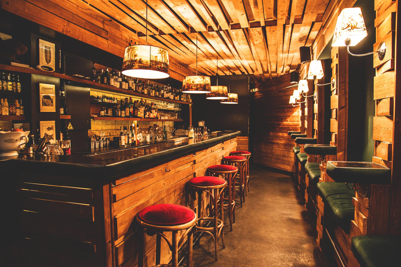 Cosa Organizzare In Un Bar come aprire un centro culturale: iter burocratico e idee di